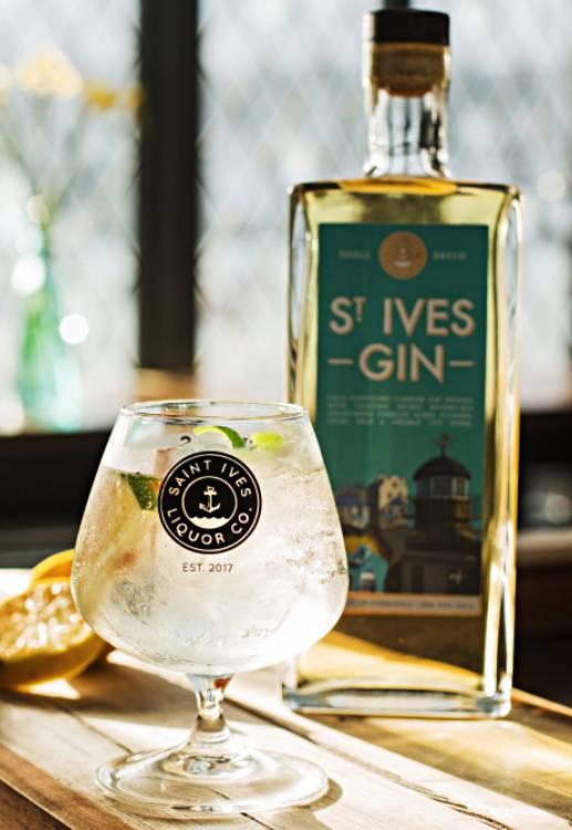 St Ives Liquor Image